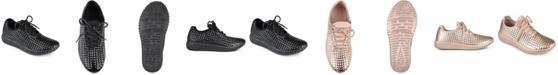 Journee Collection Women's Megan Sneaker