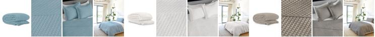 Jennifer Adams Home Jennifer Adams Taupe Diamond Queen Blanket/Coverlet