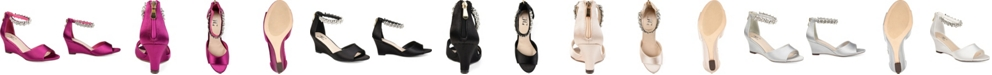 Journee Collection Women's Connor Wedges