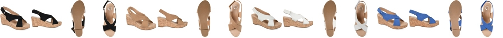 Journee Collection Women's Jenice Wedge Sandal