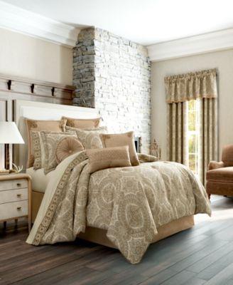 J Queen Sardinia Gold King Comforter Set