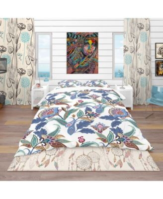 Designart 'Fantasy Flowers Paisley Pattern' Vintage Duvet Cover Set - Queen