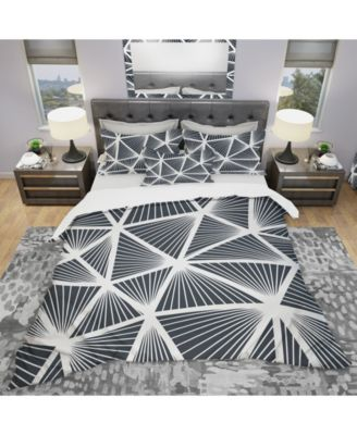 Designart 'Black and White Geometric Decorative Pattern' Modern Duvet Cover Set - Queen