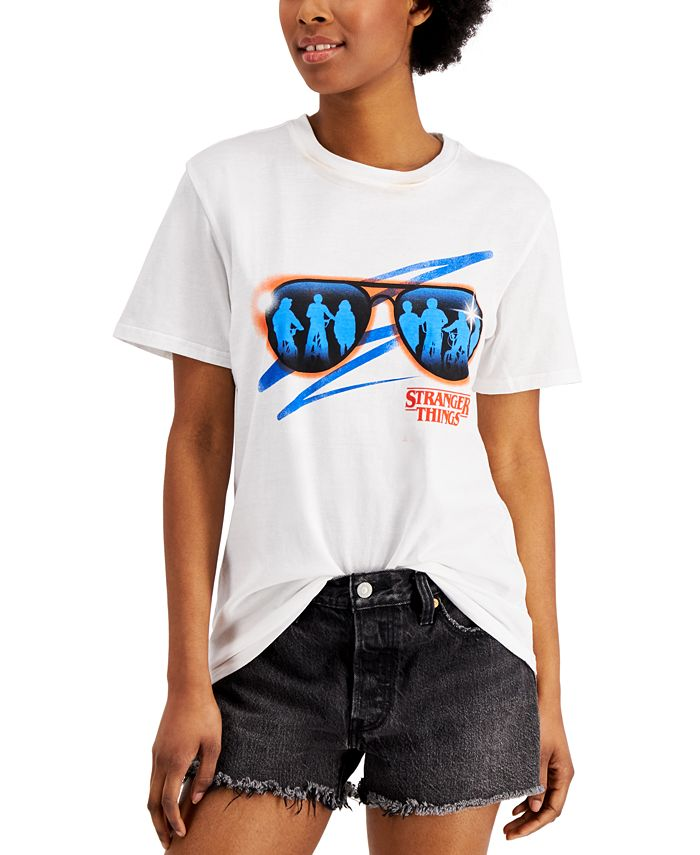 Mad Engine - Juniors' Stranger Things Logo Graphic T-Shirt