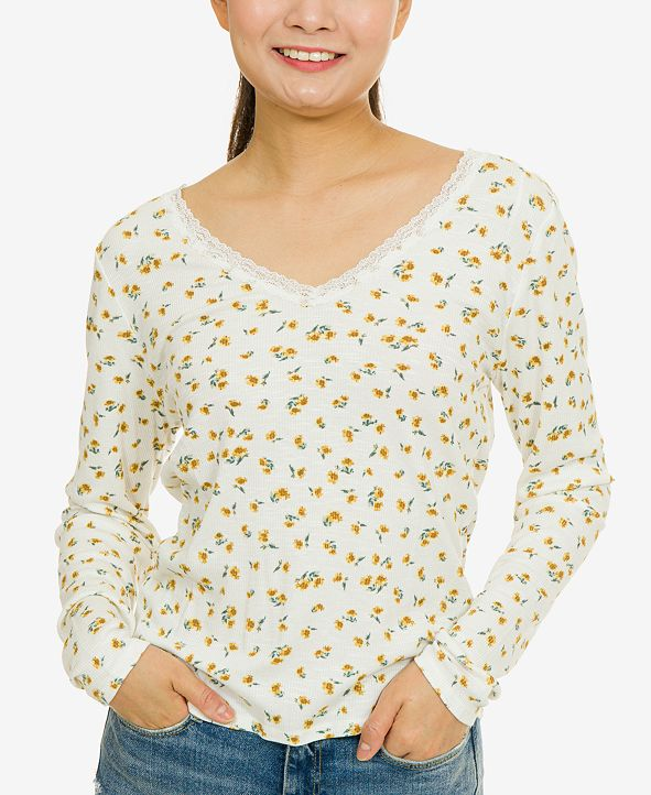 Hippie Rose Juniors' Lace-Trimmed Floral Rib-Knit Top