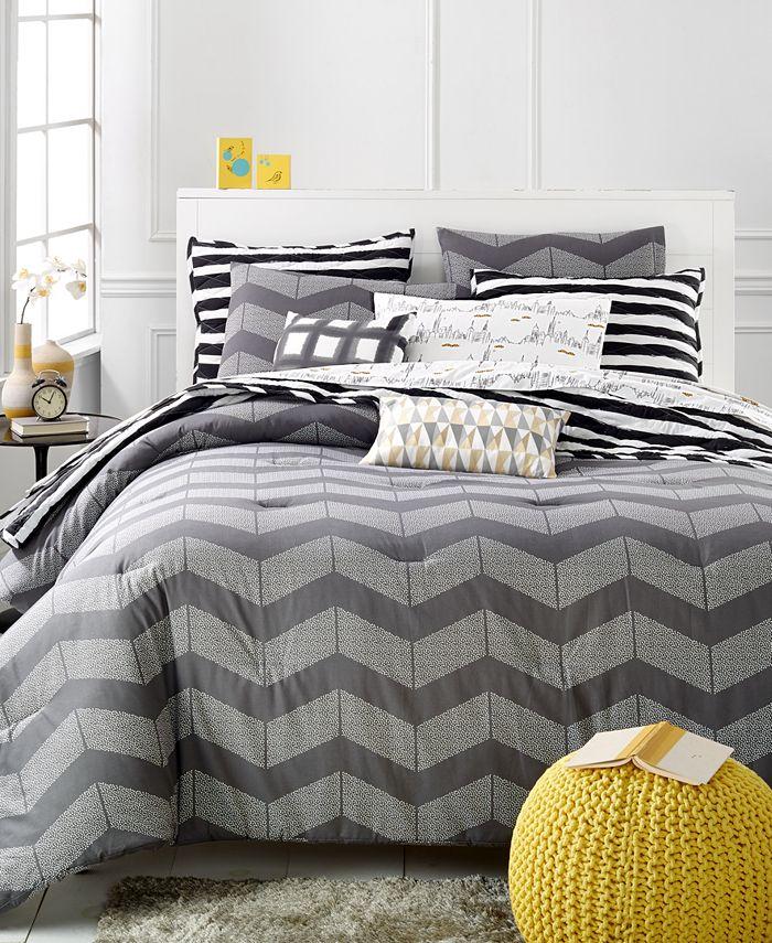 Martha Stewart Collection - Whim Collection Grey Spot Chevron Full/Queen Comforter Set