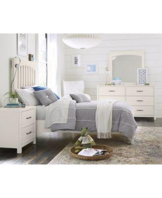 Ashford Bedroom Furniture, 3-Pc. Set (Full Bed, Nightstand & Dresser)