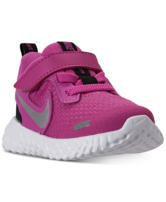 Nike Toddler Girls Revolution 5 Stay