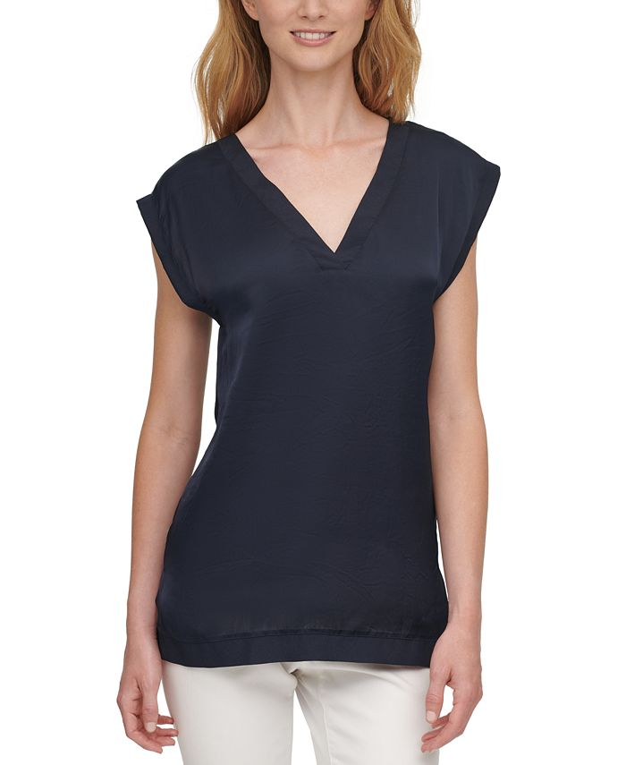 DKNY - Extended Shoulder Top
