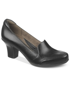 Naturalizer Liora Pumps Womens Shoes $89.00 AT vintagedancer.com
