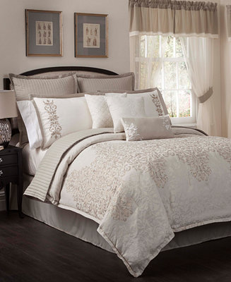 Aubrey 22 Piece California King Comforter Set Bed In A