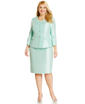 Le Suit Plus Size Satin Skirt Suit