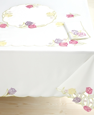 Homewear Table Linens, Set of 4 Tulip Dance Round Placemats