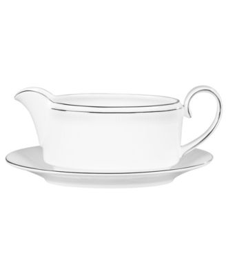Vera Wang Wedgwood Dinnerware, Blanc sur Blanc Gravy Boat