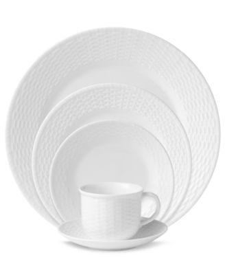 Wedgwood Dinnerware, Nantucket Basket 5 Piece Place Setting