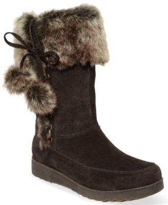 Slip into cozy Minnetonka Moccasins. Buy Minnetonka Moccasins In Boots or Minnetonka Moccasins in Flats at Macy's.