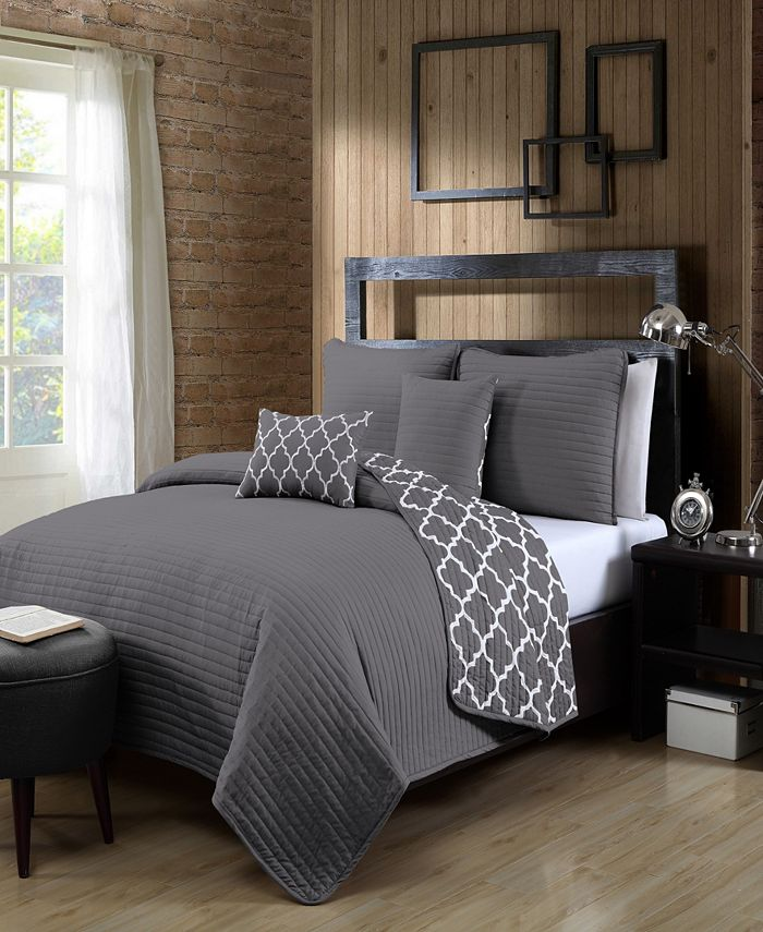 Avondale Manor - Griffin 5pc Queen Solid with Quatrafoil Reverser Quilt Set with Throw Pillows