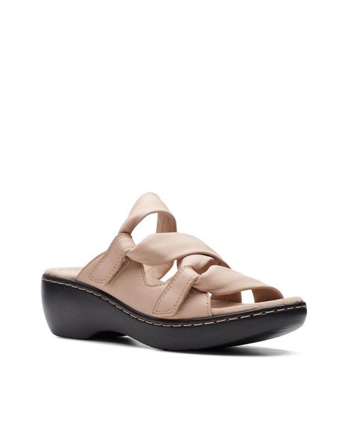 Clarks - Delana Jazz Flat Sandals