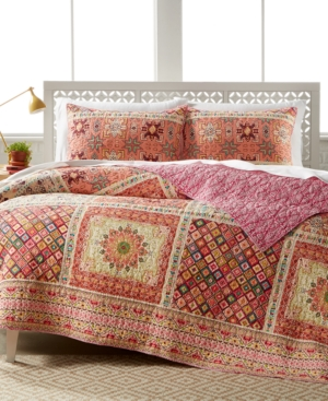 Island Style Bedding Sets For Relaxed Comfort Transform