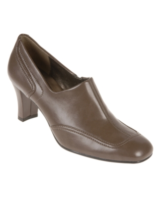 Naturalizer Shoes, Saidi Pumps Women's Shoes