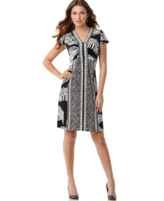 Elementz Dress, Short Sleeve Printed V-Neck