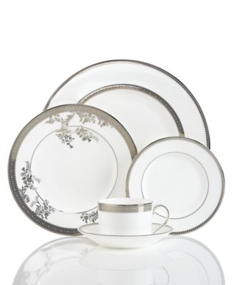 Vera Wang Wedgwood Dinnerware, Lace 5 Piece Place Setting