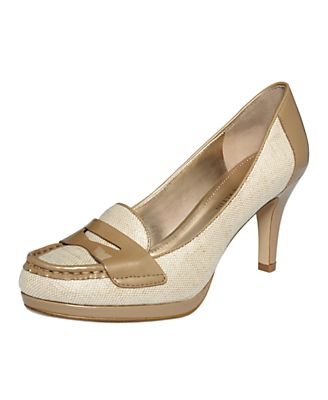 AK Anne Klein Shoes, Walnut Pumps