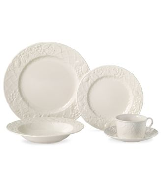 Mikasa Dinnerware, English Countryside 5 Piece Place Setting