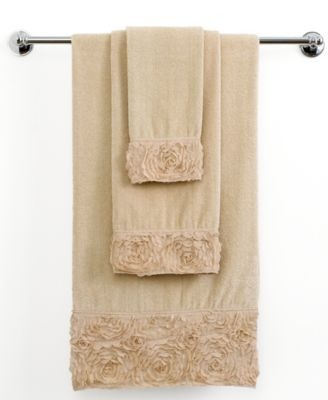 "Avanti Bath Towels, Mademoiselle 11"" x 18"" Fingertip Towel"