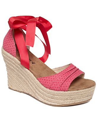 BEARPAW Shoes, Dahlia Espadrille Platform Wedge Sandals