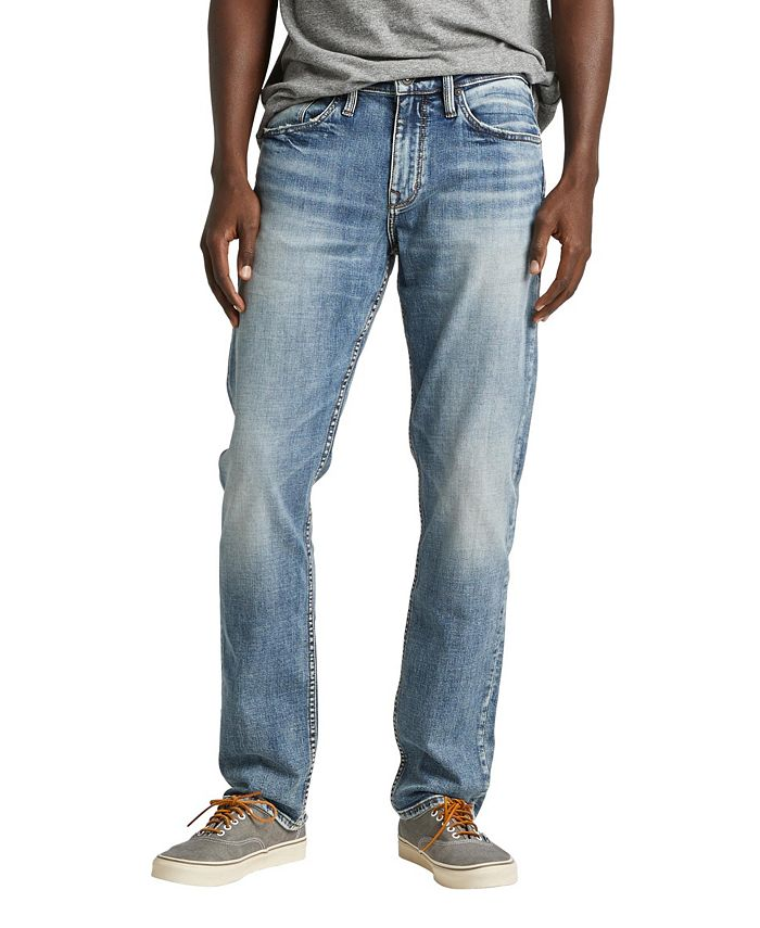 Silver Jeans Co. - Straight leg jeans with a dark indigo wash in premium comfort stretch denim that's great for everyday.
