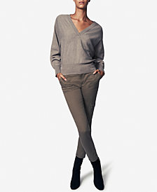 b new york Ultimate V-Neck Sweater