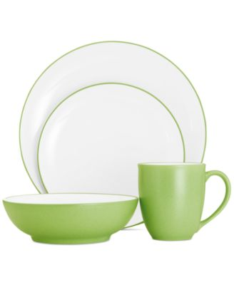 Noritake Colorwave Apple Coupe 4 Piece Place Setting