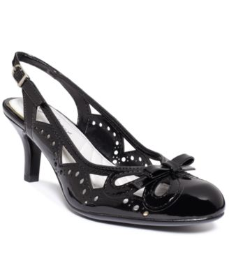 Easy Street Khanni Pumps