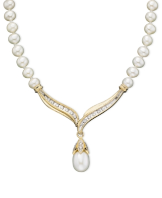 14k Gold Cultured Freshwater Pearl (8mm) & Diamond (1/5 ct. tw.) Necklace