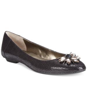 Tahari Bilboa Flats Women's Shoes
