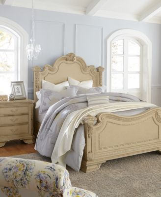 Charming Villa 3 Piece Queen Bedroom Furniture Set With Dresser
