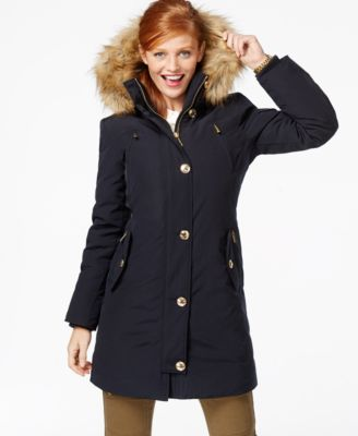 Hooded women's down coat