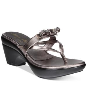 Callisto Lassye Platform Wedge Thong Sandals Women's Shoes