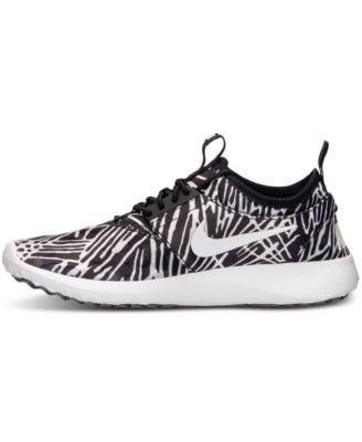 Nike Women's Juvenate Print Casual Shoe