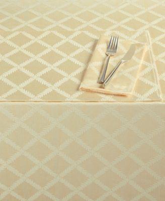 """Laurel Leaf 70"""" x 122"""" Tablecloth"""