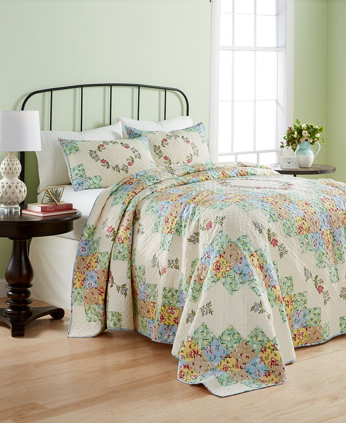 Martha Stewart Collection - Coneflower Diamond Quilted Twin Bedspread