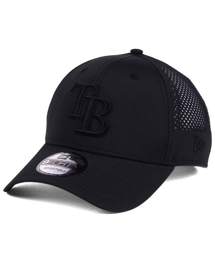 New Era - Black/Black Perf Tech 9FORTY Adjustable Cap
