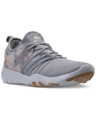 Free TR 7 Training Sneakers