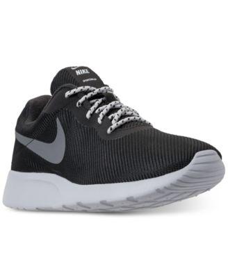 Nike Men's Tanjun SE Casual Sneakers