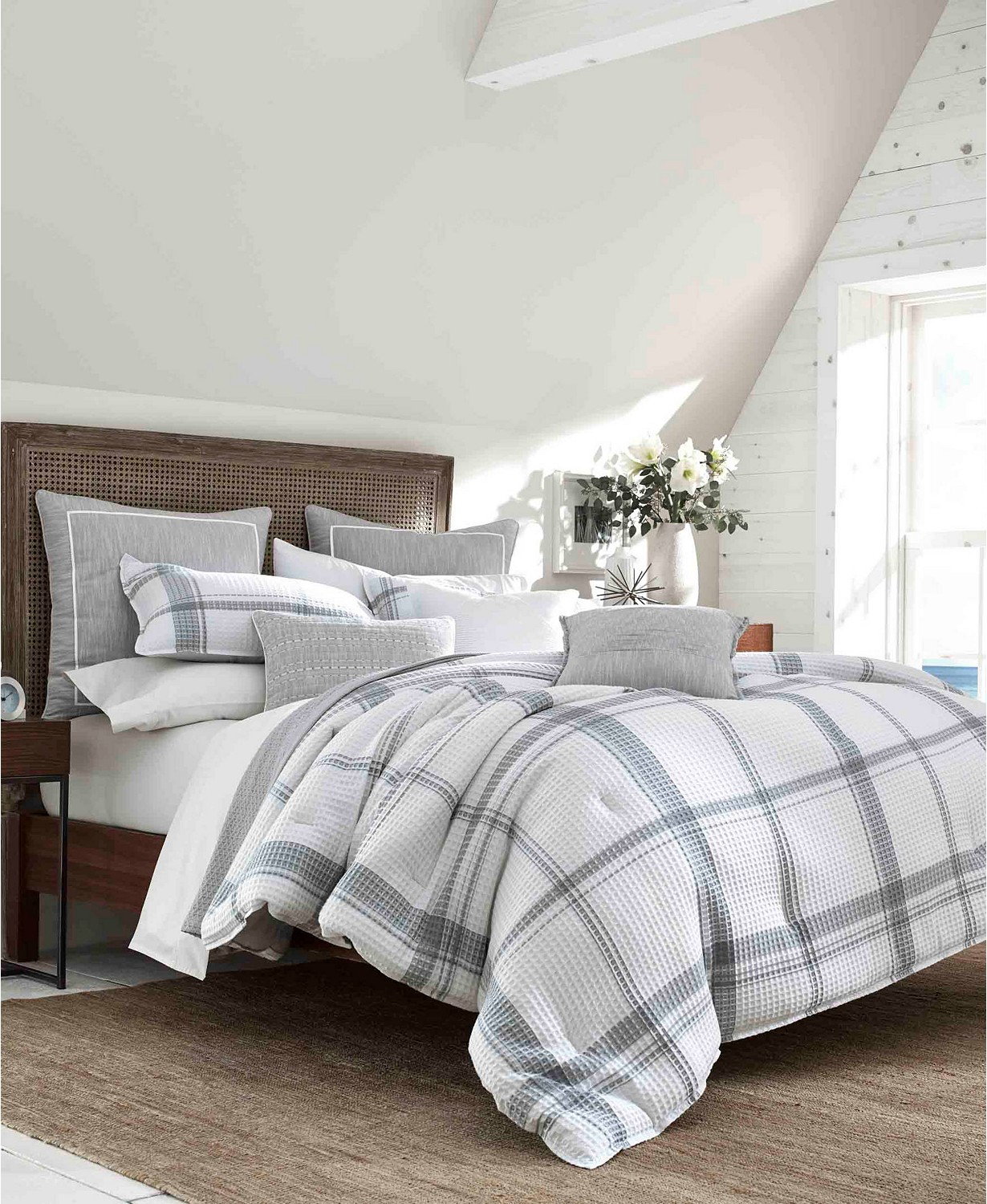 Bronwell Bedding Collection