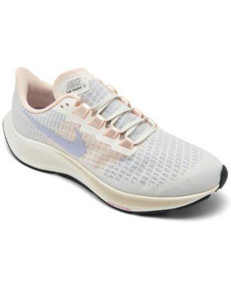 Air Zoom Pegasus 37 Running Sneakers