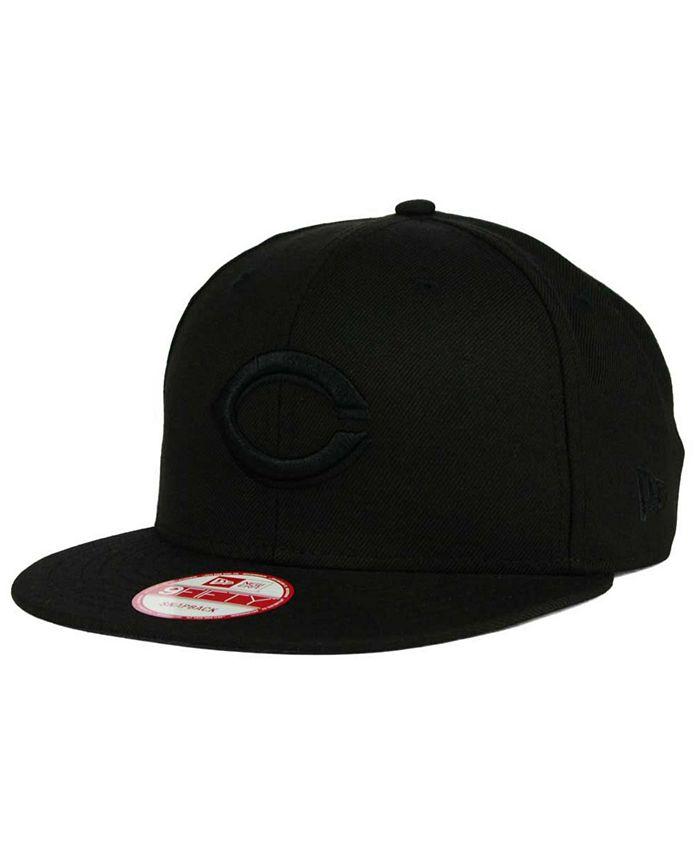 New Era - Cincinnati Reds Black on Black 9FIFTY Snapback Cap