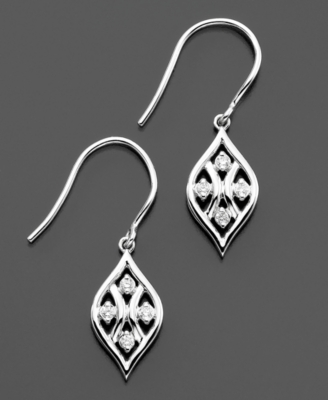 14k White Gold Diamond Earrings (1/8 ct. t.w.)