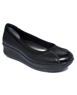 Easy Spirit Shoes, Oriya Flats Women's Shoes